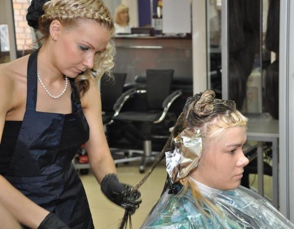 Дипломная работа по парикмахерскому искусству мужские стрижки Дипломная работа на тему Современные мужские стрижки Выполнить окантовку можно разными инструментами Эпоха стиля барокко xvii сер Прическа как костюм