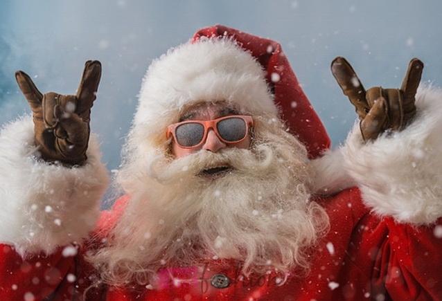 Дед мороз и сани иУсилители в авто