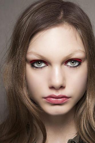 модный макияж, форма бровей, бьюти-секреты, увеличение губ, татуаж, микроблейдинг