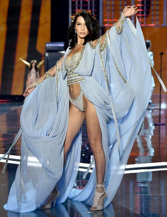 Лучшие образы ангеловVictoria's Secret, шоу Victoria's Secret 2017, victoria s secret fashion, victoria s secret официальный сайт, нижнее белье купить, белла хадид, джиджи хадид, кэти пэрри, лучшие наряды модного показа