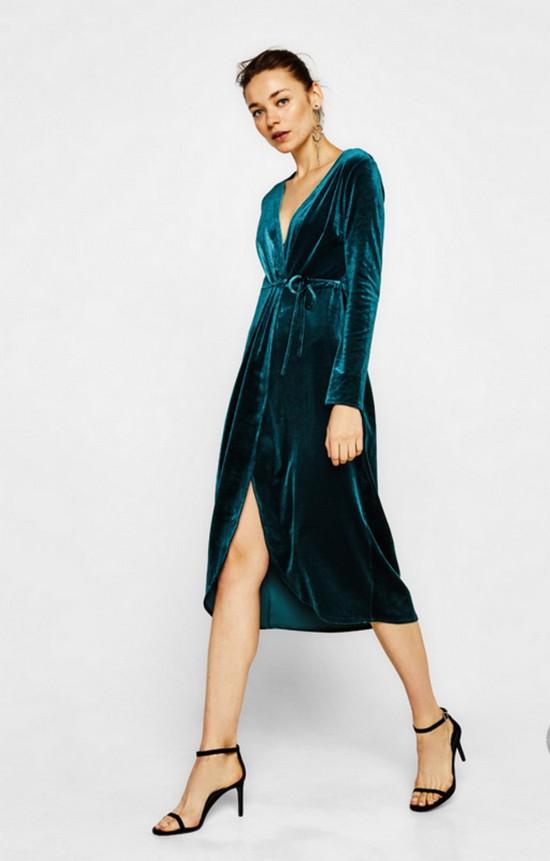 шопинг иркутск, одежда иркутск, где купить в иркутске, Mango иркутск, Mango цена, платье на новый год за 5 тысяч рублей, дешевые платье, бархотное платье, с чем носить, где купить, платья на новый год иркутск, Bershka  иркутск, Bershka  цена, ZARA иркутск, ZARA платье иркутск цена,  Reserved иркутск, Reserved иркутск цена, Reserved платья цена, платья на новый год бюджетные,