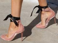 иркутск, купить туфли в иркутске, туфли цена иркутск, одежда иркутск, обувь иркутск, бархатные туфли купить, туфли со стразами, блестящие туфли, туфли с камнями, где купить блестящие туфли иркутск, с чем носить бархатные туфли, советы стилиста, бершка иркутск, вог россия, как подобрать туфли для нового года, туфли на новый год, как подобрать туфли