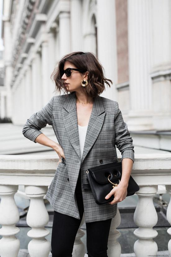 иркутск, советы стилиста, с чем носить клетчатый пиджак, оверсайсз, костюм в клетку, марго робби, хадид, стиль, с чем носить джинсы, как сочетать джинсы и пиджак, иркэшн, одежда иркутск, где купить